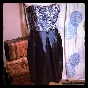 Studio Y sexy black dress 👗 w/pockets